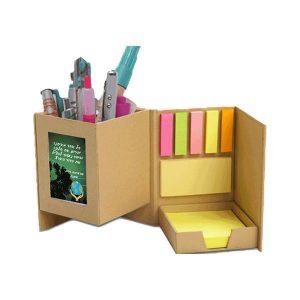 קופסה אירגונית עם לוחית מיתוג
