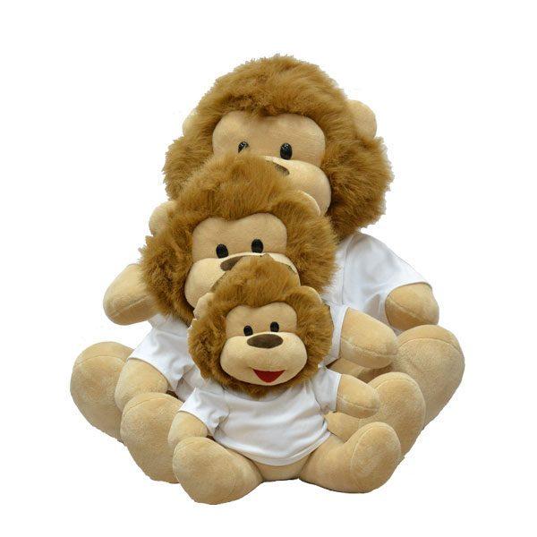 בובה מפרווה אריה עם חולצה מודפסת