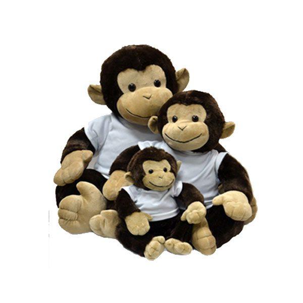 בובת פרווה קוף - קוף יושב מפרווה עם חולצה מודפסת