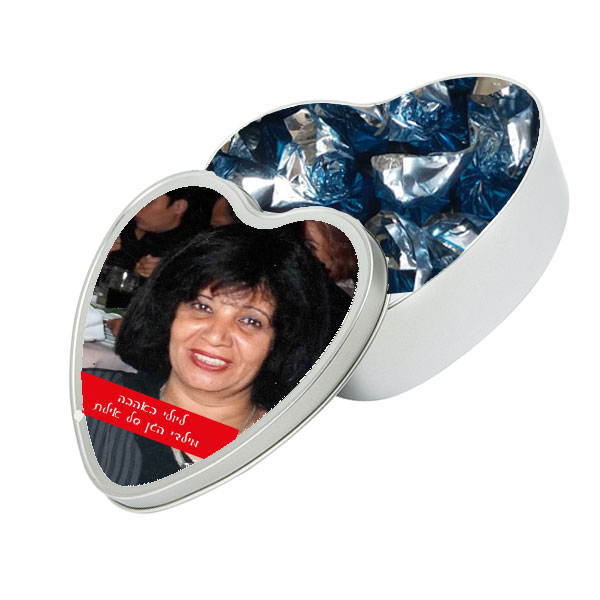 קופסה בצורת לב ליום האהבה