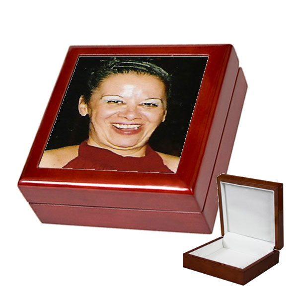 קופסה מהודרת לתכשיטים עם תמונה