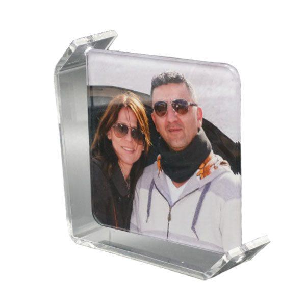 תמונה מודפסת על זכוכית על סטנד אקרילי